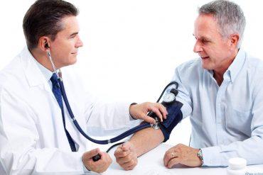 Đừng bỏ qua những dấu hiệu cảnh báo tăng huyết áp