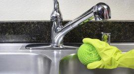 Cách vệ sinh bồn rửa bát sạch bóng, đơn giản