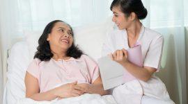 Cái lợi và cái hại khi sử dụng dịch vụ chăm sóc người bệnh tại bệnh viện